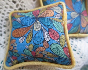 OOAK 1:12 scale dollhouse decorative set of TWO - pillows/cushions modern style, 2-sided with trim - dollhouse decor - miniature decor