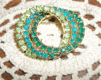 Lovely 3 Shades of Green Rhinestone Circle Brooch Estate Item
