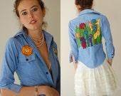"""Vintage 70s Denim Chambray """"Happy Days"""" Hippie Shrunken Button Shirt (xs)"""