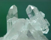 Quartz Faden Tabby Crystal Cluster Great To Wire Wrap Into Your Favorite Design e104