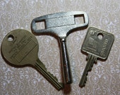 Vintage LARGE KEY LOT- Skate Key- Industrial Hotel Key- Security Key- Do Not Duplicate