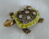 Vintage Costume Jewelry Designer ART Enameled Turtle Brooch with Daisy Accents
