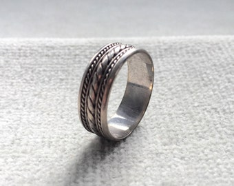 Vintage 925 Silver Ring / Size 8 / Silver Band / Rope Design