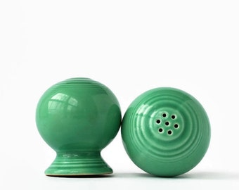 Pair of Green Fiesta Salt & Pepper Shakers, Homer Laughlin Fiestaware Salt and Pepper Set, Original Green