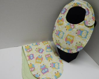 Newborn Baby  Bib and Burp Cloth Set Owls