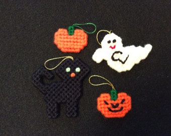 Halloween Mini Ornaments Lot #1 - Ghost Pumpkin Black Cat Jack O' Lantern