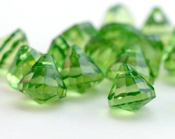 Acrylic Green Faceted Pendant Drop Beads 17mm (12)