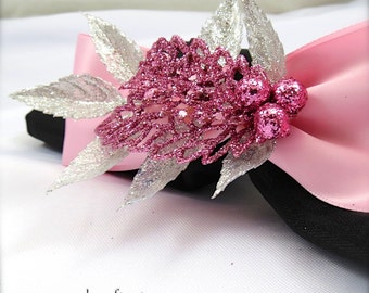 Pink Sparkle Leaf Napkin Rings for Christmas or New Year's Eve