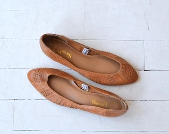 Basketweave Wedges | vintage woven leather skimmers | 1970s wedges 8-8.5