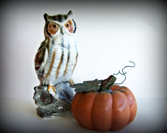 Vintage Porcelain Gray Owl Figurine Inarco Japan Model number E3642 1960/70's Era Retro Home Decor Classic in Mint Condition
