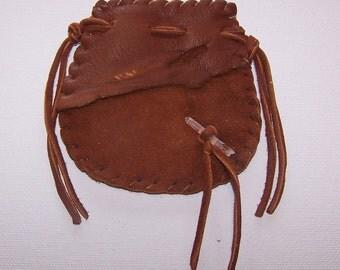 Beautiful Deerskin Medicine Bag ..RUST