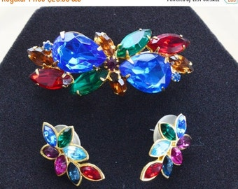 On sale Colorful Vintage Rhinestone Demi Parure Set, Brooch, PIerced Earrings, Gold tone (AB5)