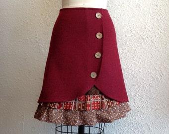 Loretta wool ruffle front skirt Sz 2
