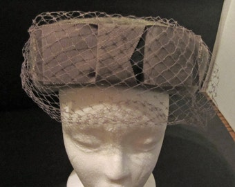 Gray Wool Felt and Net Ladies Hat Vintage 50's Kingfelt