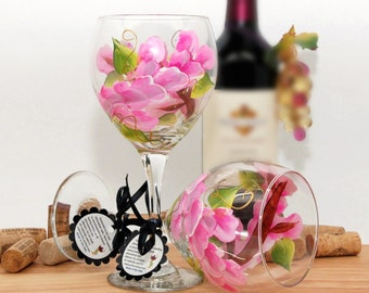 Painted wine glass, flower wine glass, personalized gift, wine goblet, unique wine glass, floral decor, sprint table decor, pink flowers