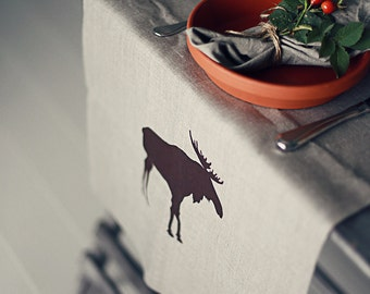 Table runner with moose