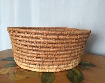 Woven Basket Vintage Valet Key Basket Fruit Basket