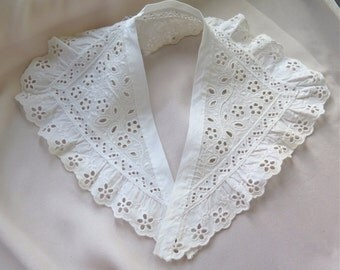 Cotton Eyelet Collar with Ruffle in White Vintage 1950's