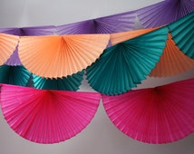 Fan Burst Garland / Tissue Paper banner / Wedding garland / bunting / Party backdrop / NYE party / Tissue paper fan decoration / Reusable