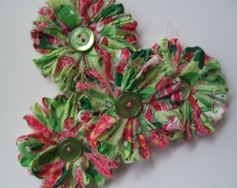 Handmade Loom Cotton Fabric Flowers, Shabby Chic, Spring Green & Pink with Found Button Centers, Shabby Chic, Set of 4