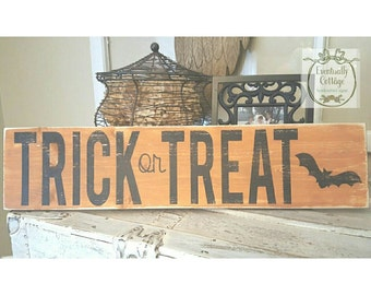 Handpainted Trick or Treat sign