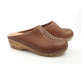 Brown Wooden Clogs Shoes Vintage 1970s Bastad Leather Size 39 Distressed
