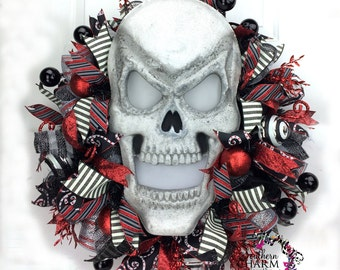 Deco Mesh Halloween Wreath w Light up Skull -Halloween Skull Wreath -Skull Decor -Red Black Silver Skull Wall Hanging