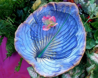 "Garden statue Leaf Birdbath / rain chain bowl created from a LIVE Leaf (No. 6607, hosta, 14x12h"") sculpture - stands on pole over plants"