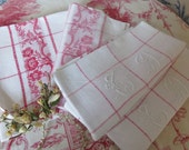 Set of 4 Damask Vintage French Napkins Monograms/Vintage Table Linens/Large Hand Embroidered C D Monogram/Red White Napkins Serviettes