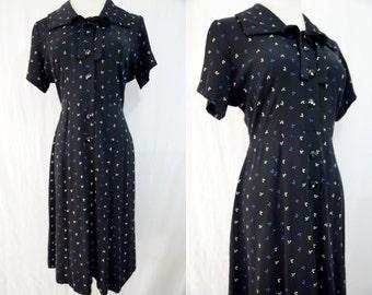 1940s Black Blue Floral Print Dress Short Sleeve Shirt Ascot Button Day Rayon Dress Medium