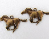 Vintage Antiqued Brass Ox Horse Charm Racing Finding Pendant Stamping Metal 22mm chm0468 (4)