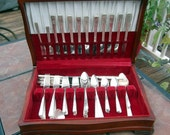 Grenoble 1938 by Prestige Oneida Silver Plate Flatware Set with 105 Pieces