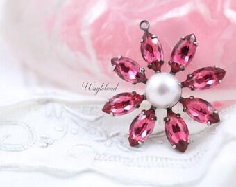 Pearlized Light Pink & Rose Pink Vintage Stones Daisy Flower Pendant Charm Set Stones Brass Setting 30mm
