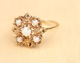 10K Opal Cluster Ring - Size 9