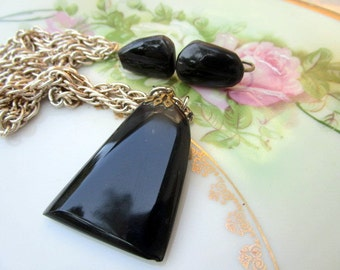 Vintage large Onyx polished rock pendant with earrings