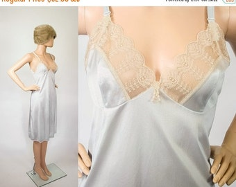 Vintage Slip Dress / Powder Blue + Antique Lace  / Lingerie Undergarment / Full Slip/ Nightie / Nightgown Sleepwear / Medium / Large