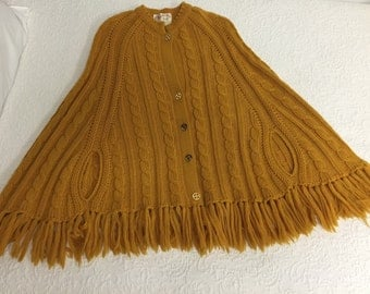 HOLD for ROBIN -Caramel Apple Eater - 1960s 1970s Golden Wool Poncho Cape - Retro Poncho - Retro Hipster Style - Small to Medium