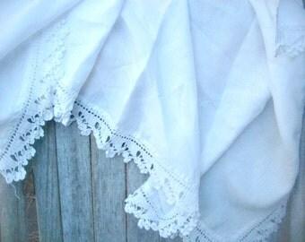 Vintage linen valance table runner, crochet linen, white linen towel, mantle scarf, cotton crochet towel, romantic linen towel, guest bath