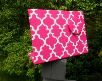 Magnetic Message Board, Hot Pink Quatrefoil, Desktop Organizer, Office Organizer, Baby Shower Gift Idea, Dorm Decor Idea