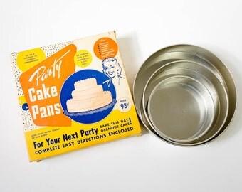Vintage 1950s Bakeware / 50s Bake King Set of 3 Tiered Aluminum Cake Pans in Box VGC