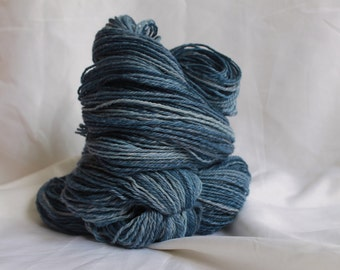 Hand spun Super fine merino light worsted weight 342 yards