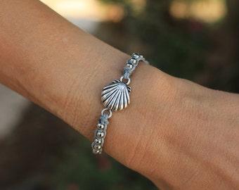 Sea shells bracelet,  Seashell jewelry, Scallop Shell Bracelet, Beach accessory, Scallop shell Jewelry, Scallop Shell cameo, shell Bracelet