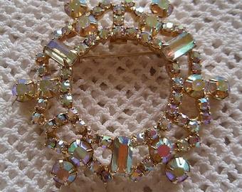 Pretty Vintage Aurora Borealis Rhinestone Round PIN Wreath Shape