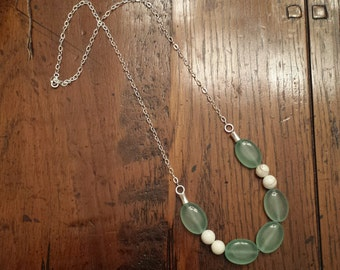 Stone Green and White Howlite Silver Necklace