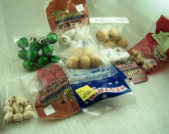 Beading Supplies Bag of Assorted Vintage Wood Beads