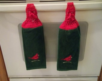 Towel - Kitchen Towel with Crochet Towel Topper - Towel in Green with Red Cardinal - Great for Christmas