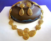 Avon Textured Goldtone Necklace & Interchangeable Pierced Earrings