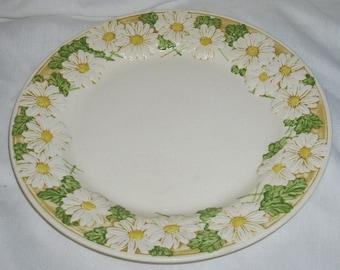 Metlox Poppytrail Sculptured Daisy Dinner Plate
