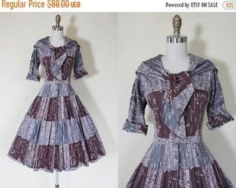 ON SALE 50s Dress - Vintage 1950s Dress - Grey Cocoa Sailor Collar Cotton Full Skirt Shirt Dress S - Roasting Chestnuts Dress