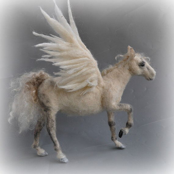 Needle felted Pegasus. Winged horse. Needle felt by Daria Lvovsky